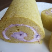 oneboke  今日の庭  花のプレート と 紫いもクリームのロールケーキ
