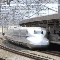 静岡駅に到着する「ひかり479号」 (2016年10月9日)