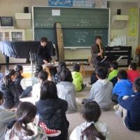 5年生の音楽の時間に和楽器の演奏を楽しみました。