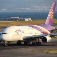 巨大な旅客機 『エアバスA380』 ・ 関西国際空港