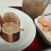 朝から 「イカ飯」頂きました。星☆三つです!