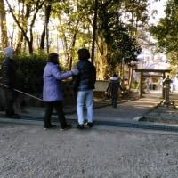 稲前神社境内、清掃の巻