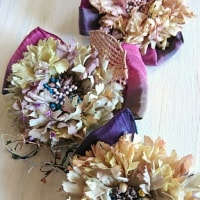 作品展の布花たち