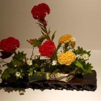 小原流展「白い秋」・・・・松本 豊鶴さんの作品