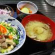 くずし豆腐と煮豚と煮卵の丼・・・あさげ
