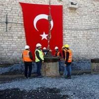 イスタンブル・タクシム広場でモスク建設が始まった