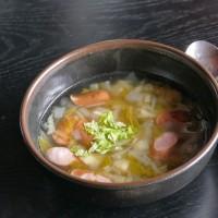 豚とセロリの油いためと、セロリの野菜スープ