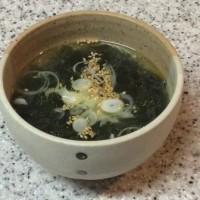 韓国風のわかめスープ