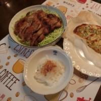豚ロースから揚げ&シラスと水菜のピザ&新玉スライス