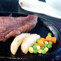 この1,000円ステーキは群を抜く!!・・・焼肉マン(与儀)