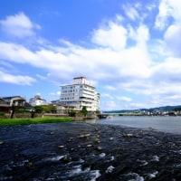 豊かな流れ-大分県日田市:三隈川