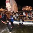 港内に浮かぶ「袖キリコ」、水面にその姿を映し幻想的なお祭り