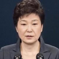 朴槿恵氏、失職…全員一致で罷免 一気に選挙モード突入も混乱拡大の恐れ