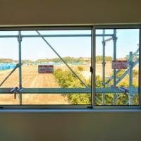 ちょっと良い貸家プロジェクト!『 岬町中原のリノべ風?な貸家 』。はクロス工事完了&雨樋設置中、なかなか良いです!!