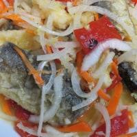 サンマのマリネとアサリの蒸し煮とマグロで月曜の晩ごはん