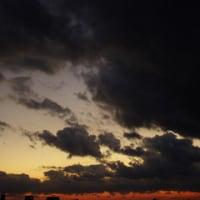 冬の寒さを感じた日の夕空