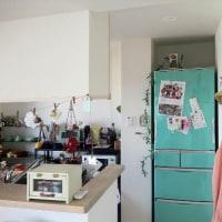冷蔵庫はグレーや黒に人気が集まっています。
