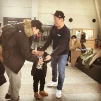 えっ、金浦空港にサンウ?~「後ろに孤独なクォン・サンウさん(笑)」
