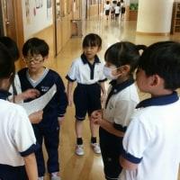 2年生が1年生に学校紹介