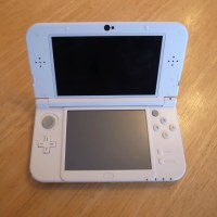 池袋のお客様より任天堂3DSLLの修理のご依頼をいただきました。