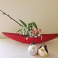 今日のいけばな*お雛様と盛り花