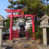"""デパートの屋上に鎮座する""""互福稲荷神社""""..."""