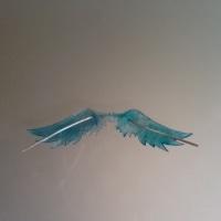 uvレジン ハートと翼のピアス