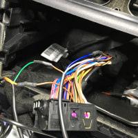 W212後期E300にTVキャンセラー、GPSレーダー取り付けです。