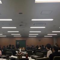議員互助会で「退職者送別会」を開催。今年度で退職される職員は189名。皆さん、お疲れ様でした。