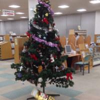 図書館は  こんな感じでした