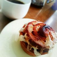 朝ご飯は、シナモンロールとコーヒー(STARBUCKS 札幌駅)