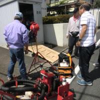 今日は暑い中防災組織の倉庫の機材点検