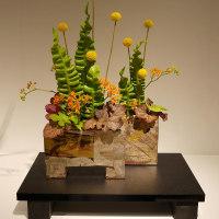 小原流展「白い秋」・・・・助川 英子さんの作品