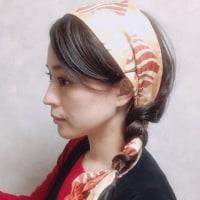 シンプルな三つ編みにこなれ感をプラス!簡単可愛いスカーフアレンジ