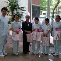 看護の日イベント東京医療保健大学学生たちと