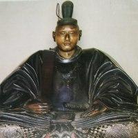 源千幡が征夷大将軍に任ぜられ、名を實朝(実朝)と改める。
