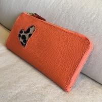 緑とオレンジの長財布!
