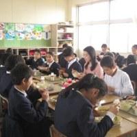 スケートキャラバン 6年生鈴木明子さんと楽しい給食