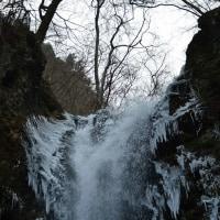大海子海岸から 冬の滝へ