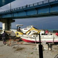 地域の方と港清掃