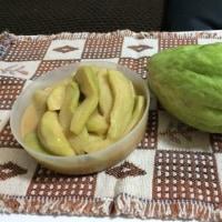 ハヤト瓜を漬けました。