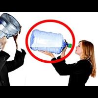 【持論です。腐らない水をお金出して買おうとは思いません】毎日2Lの水を飲み続けると体に起きる驚くべき変化が凄すぎるwww