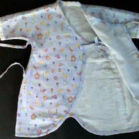 赤ちゃんの肌着(薄紫、鳥さん柄)