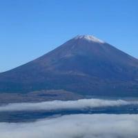 富士山 初冠雪 ⇒ パート1 雲海上から...