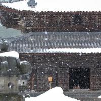 雪の瑞龍寺。
