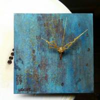 BLUE RUST。幸せに近づく色。掛時計新作。