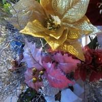 造花をさしてクリスマス!