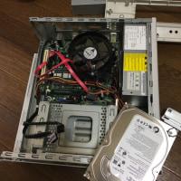 エプソンのパソコンからHDD取り外し