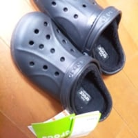 crocs。