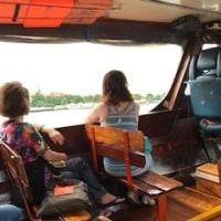 川のクルーズ。女性が多かったな。観光はついでに行ってきました。